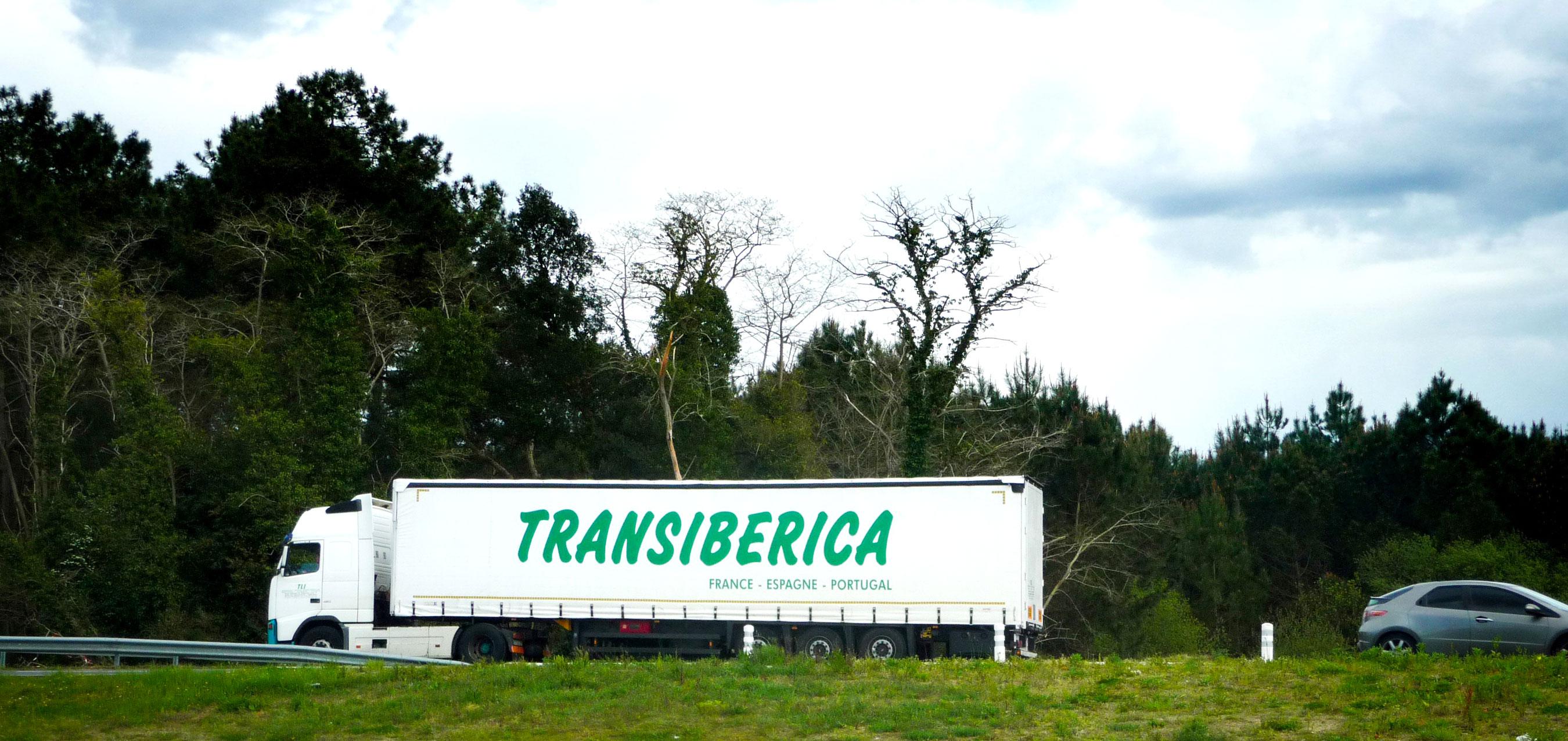 Camion de l'entreprise de transport routier Transiberica